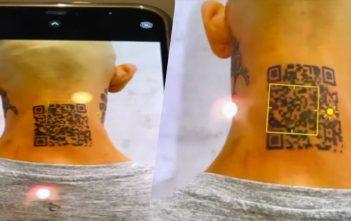 Un influencer se tatúa el código QR de su Instagram y no le funciona