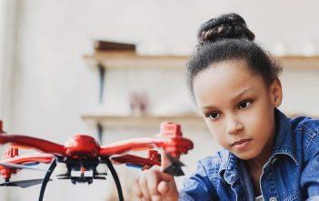 Cómo inspirar a las niñas para que sueñen con trabajar en tecnología