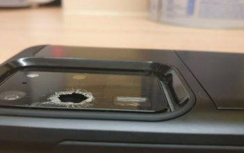 Varios usuarios reportan que Samsung colocó cristales defectuosos en las cámaras del Galaxy S20